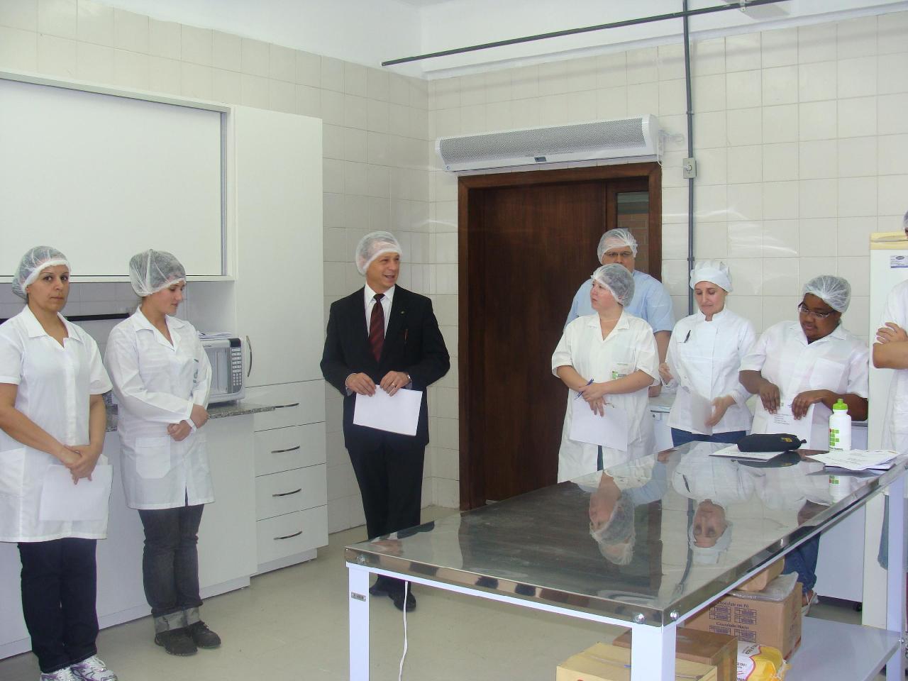 Inaugurado novo laboratório do curso de Panificação e Confeitaria #7F624C 1280x960 Balança Digital Banheiro Porto Alegre